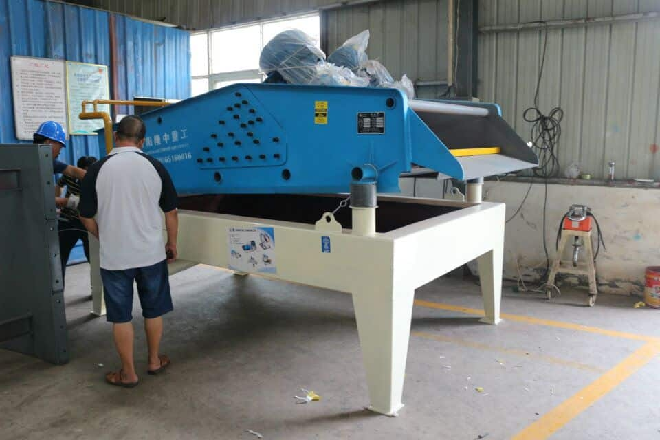Dewatering screen promotes environmental protection.